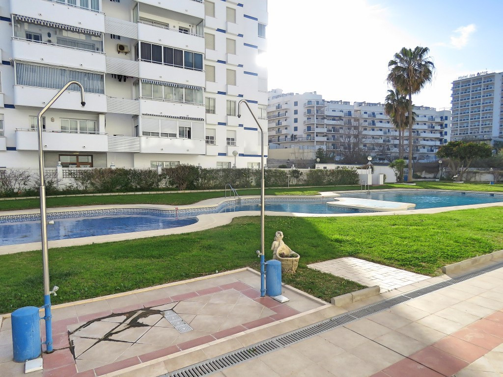 Beautiful 2 bedrooms apartment (before 3), beachfront and with very nice sea views, it has 1 bathroo,Spain