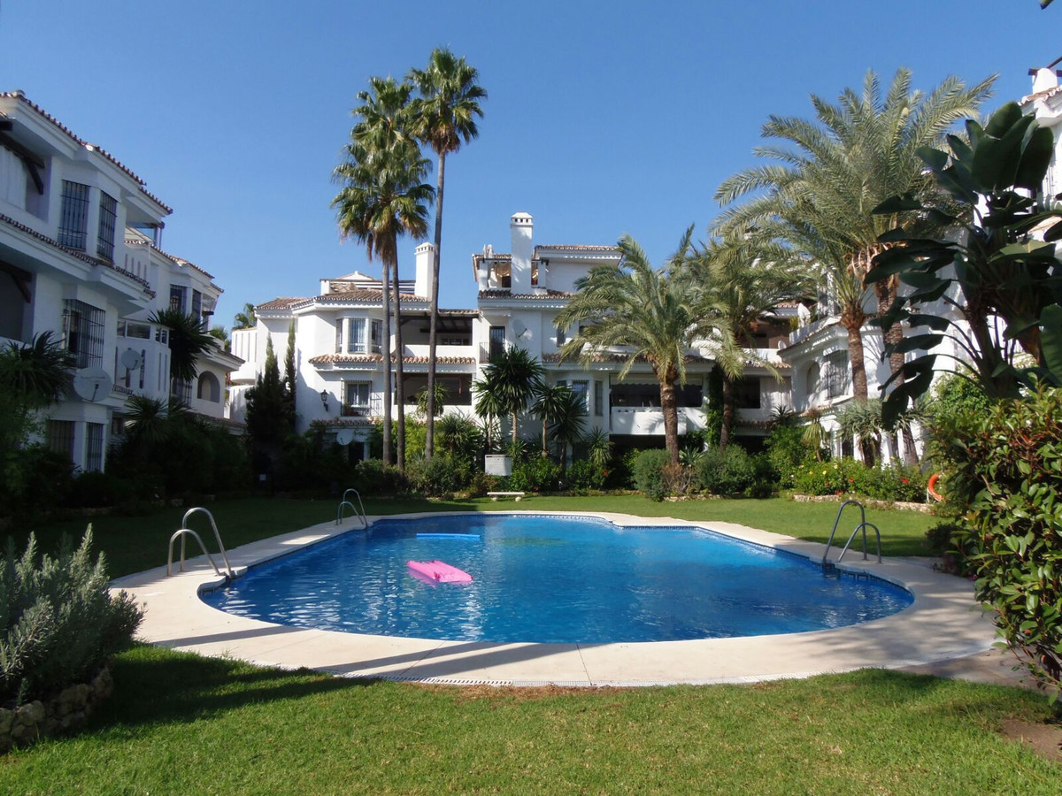 Immaculate corner apartment in Los Naranjos de Marbella. Very bright and spacious, west facing, larg, Spain