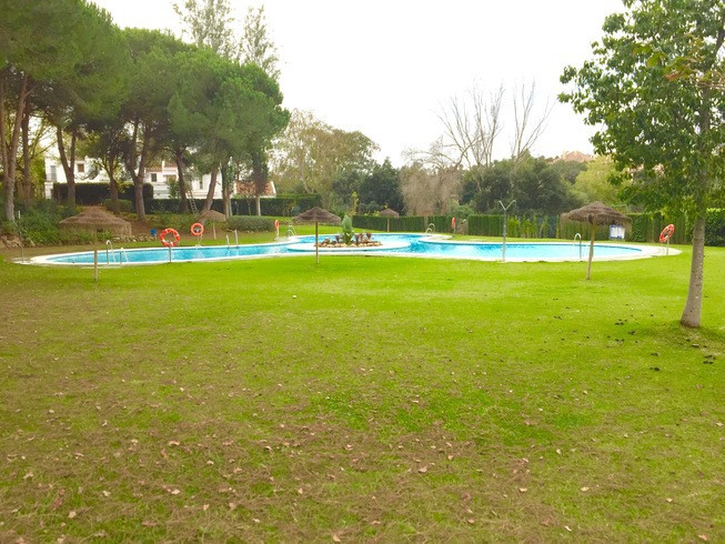 HH Fantastic chance to purchase a semi-detached townhouse in the development of Sotomar in Sotogrand,Spain