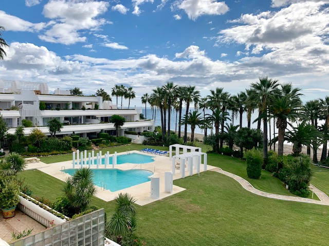 AMAZING FRONT LINE BEACH PENTHOUSE WITH BREATHLESS VIEWS TO THE SEA Andalucia Beach is a modern whit, Spain