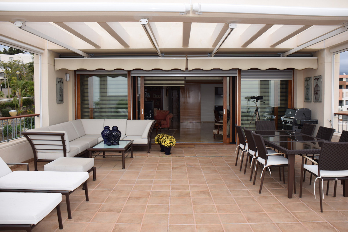 Fantastic luxury penthouse situated in a privileged setting in Marbella, with spectacular panoramic ,Spain