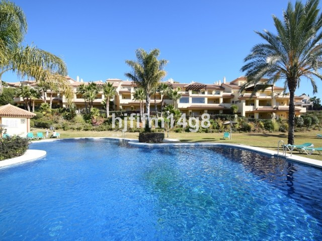 Ground floor corner apartment in the exclusive Cumbres del Rodeo complex. The development enjoys a f,Spain