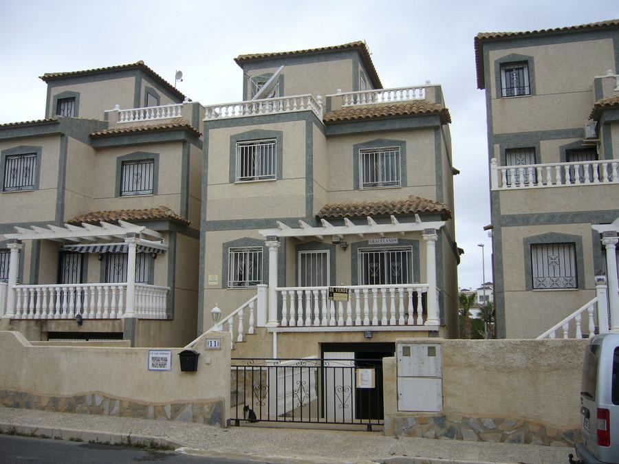 4 BEDROOM DETACHED VILLA IN VILLAMARTIN, ORIHUELA COSTA. Detached villa in the quiet area of Villama,Spain