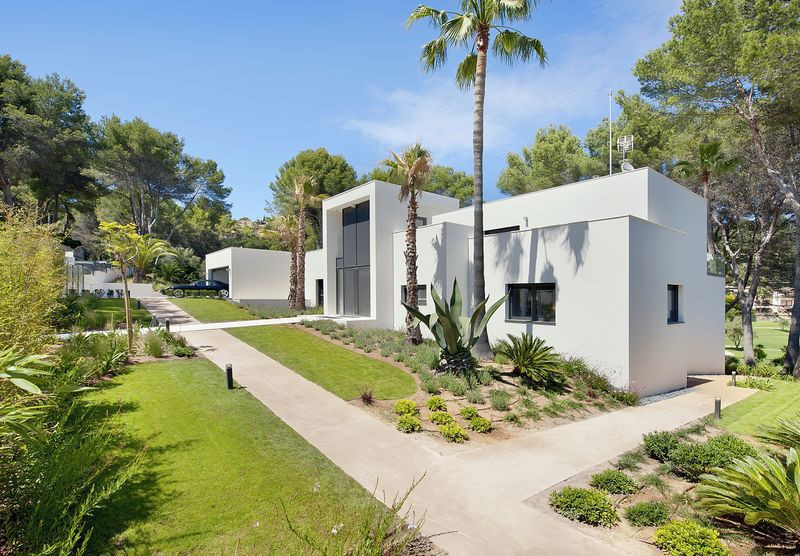 Exceptional villa in Palma de Mallorca. 620 m2 built on a plot of 2000 m2 in the center of Son Vida , Spain