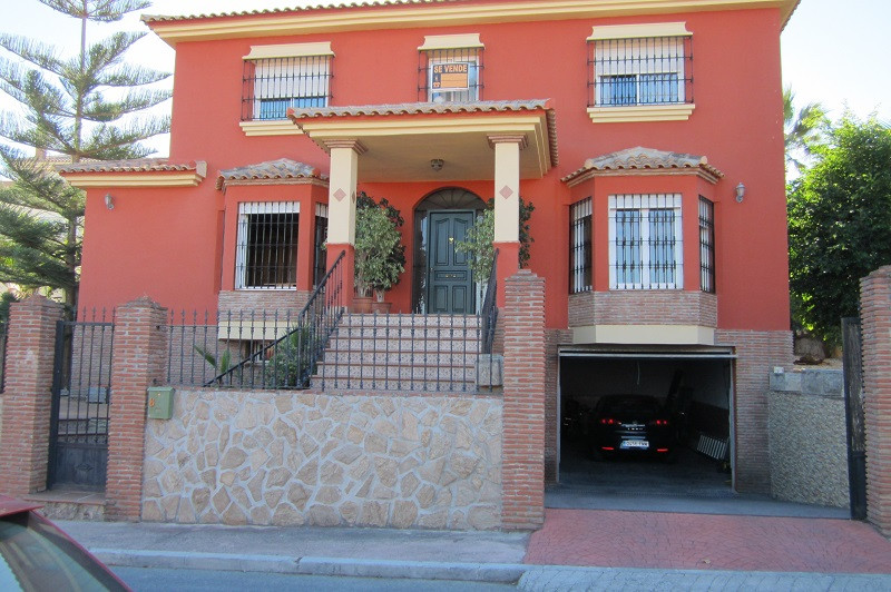 An impressive looking villa offering a good family space, ideal for a large family holiday home or a,Spain