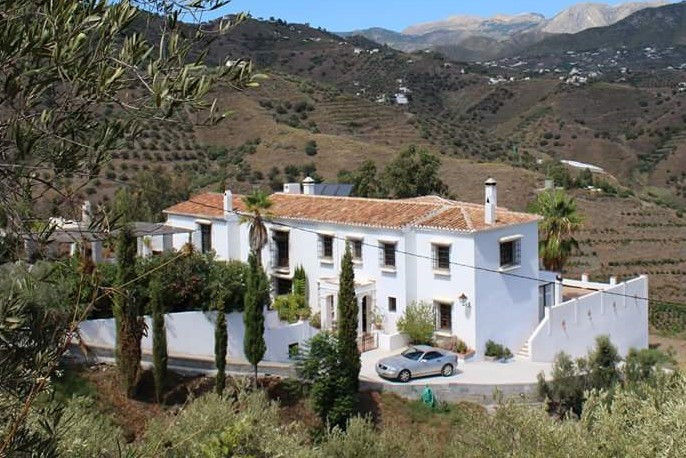 IMPRESSIVE 7 BEDROOM, 5 BATHROOM COUNTRY RETREAT WITH PANORAMIC SEA AND MOUNTAIN VIEWS OVERLOOKING F,Spain