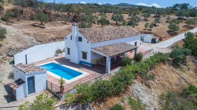 Charming Finca with real Andalusian style, panoramic views of the countryside and mountains plus 100, Spain