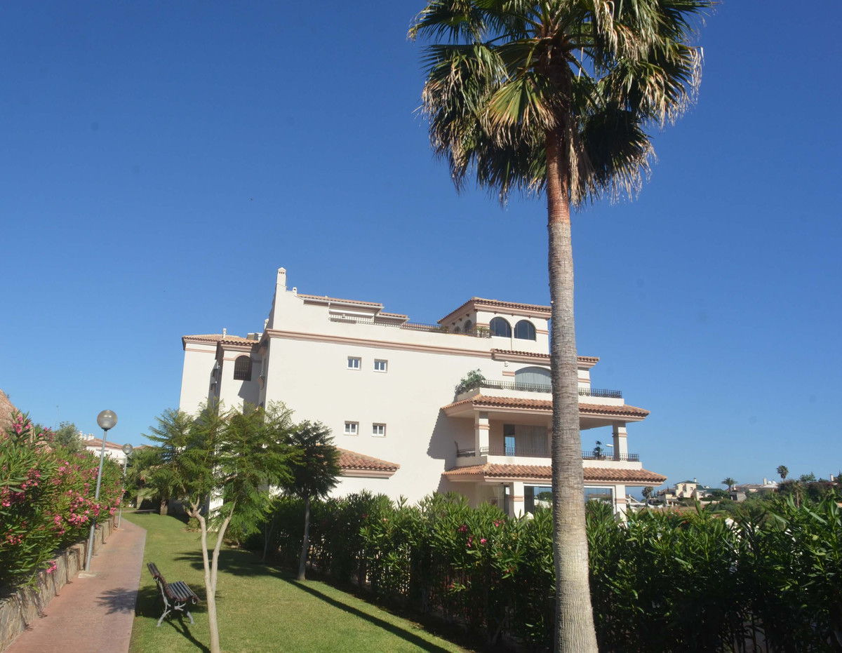 Lovely apartment on the ground floor with a private garden and large covered terrace. The ground flo,Spain