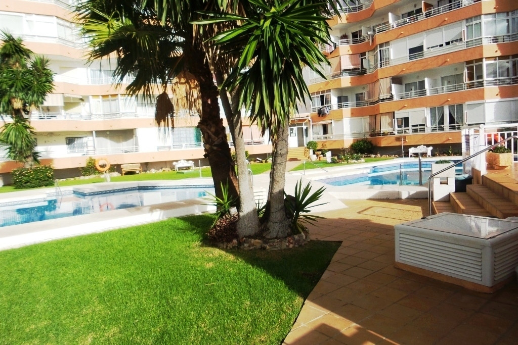 APARTMENT FOR SALE ON A GROUND FLOOR IN RESIDENTIAL AREA WITH GARDENS, SWIMMING POOLS, TENNIS COURT  Spain