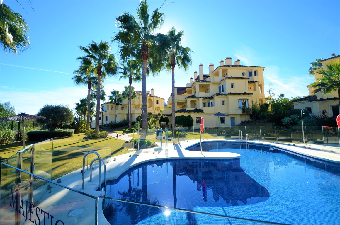 Elegant first floor apartment with spectacular terraces and panoramic mountain and sea views. Privat, Spain