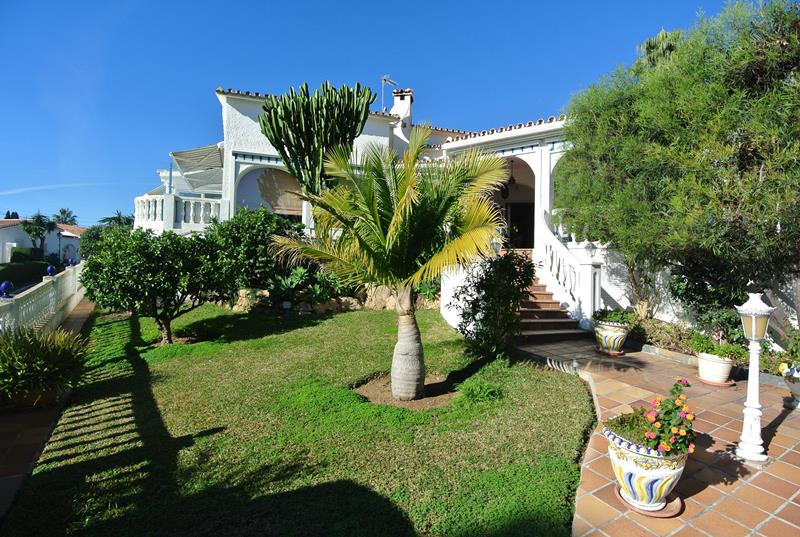 Family villa in the popular residential area of Elviria. only a short drive from the beaches and Mar,Spain