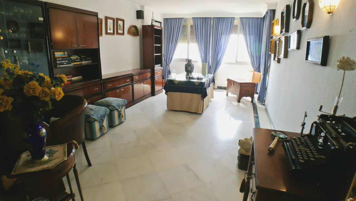 The apartment has a total size of  179m2. It has 2 bedroom and 2 bathroom The extensive living room , Spain