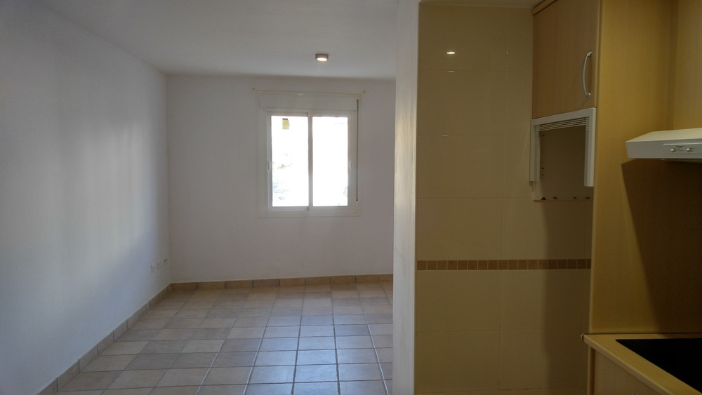 OJEN: the opportunity to live in a building completely legal with only 8 years old, 5 minutes from M, Spain