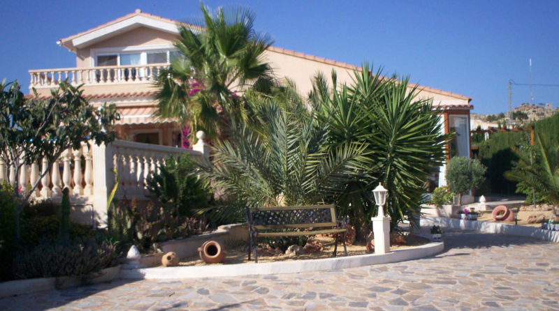Fabulous quality villa, with  the flexibility of 3, 4 or 5 bedrooms and 2 bathrooms. Was �295,000 no,Spain