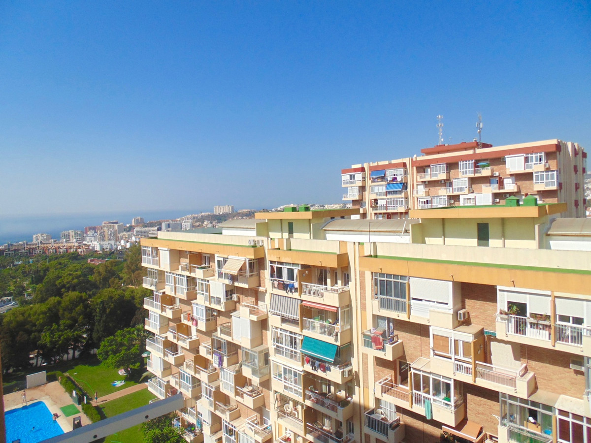 Studio apartment with fantastic views in the very popular Gamonal area of Benalmadena, walking dista, Spain