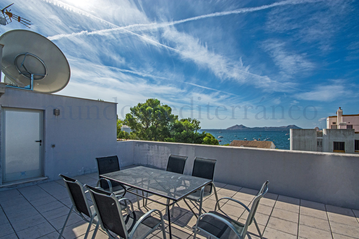 Luxurious second line penthouse with nice seaviews in the very sought after area around Hotel Illa d Spain