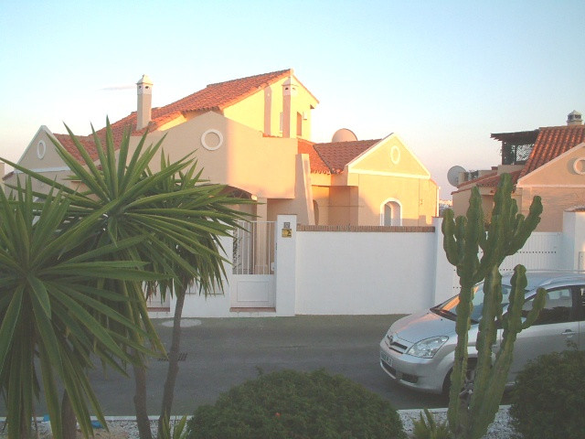 3 Bed  semi detached villa for sale  in Riviera Del Sol located on one of the most sought after and , Spain