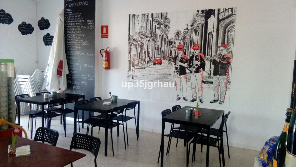 Bar, Estepona, Costa del Sol. Built 0 m².  Setting : Close To Shops, Close To Sea, Close To Schools.,Spain