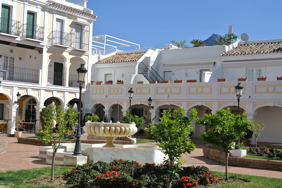 Exclusive listing. South facing townhouse  in  Plaza de los Naranjos, the best spot of Aloha Pueblo , Spain