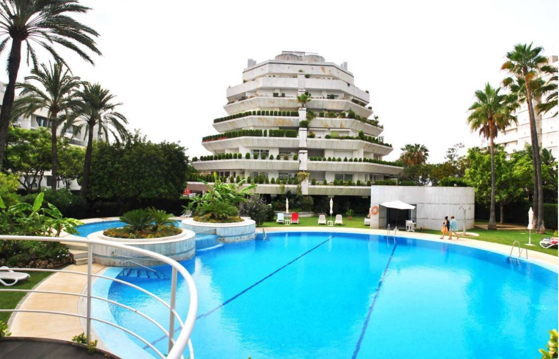 Spacious duplex located in one of the most luxurious buildings in the center of Marbella, surrounded, Spain
