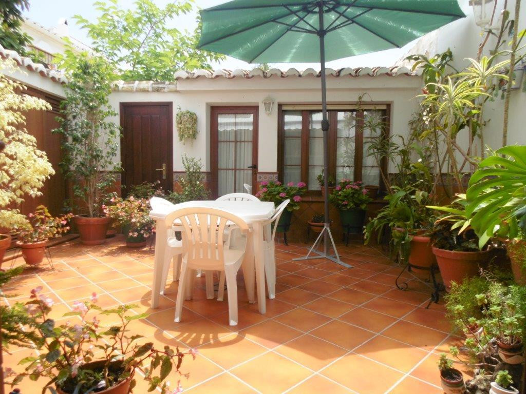 Completely renovated townhouse for sale right in the centre of Fuengirola, close to all amenities, w, Spain