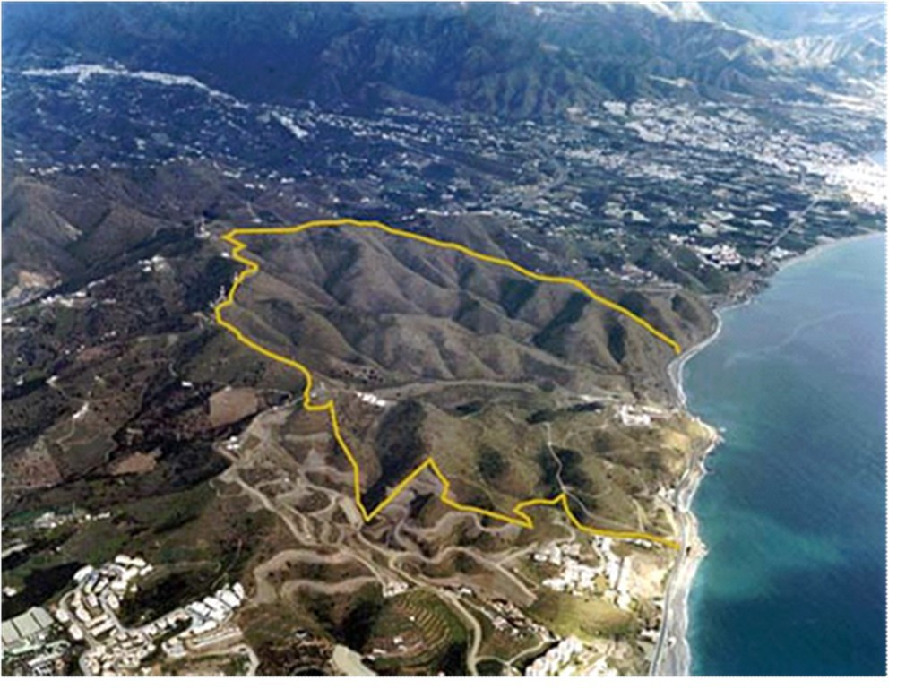 Located next to the beach with unbeatable sea and mountain views. Only 5 minutes away from Nerja and,Spain