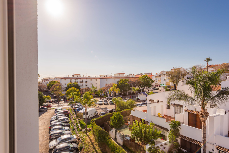 RESERVED - Renovated and bright penthouse with 2 bedrooms with fitted wardrobes, bathroom and toilet, Spain