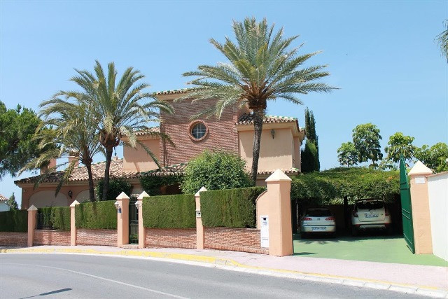 A very spacious and prestigous house built to a high specification by the current owners just 14 yea,Spain