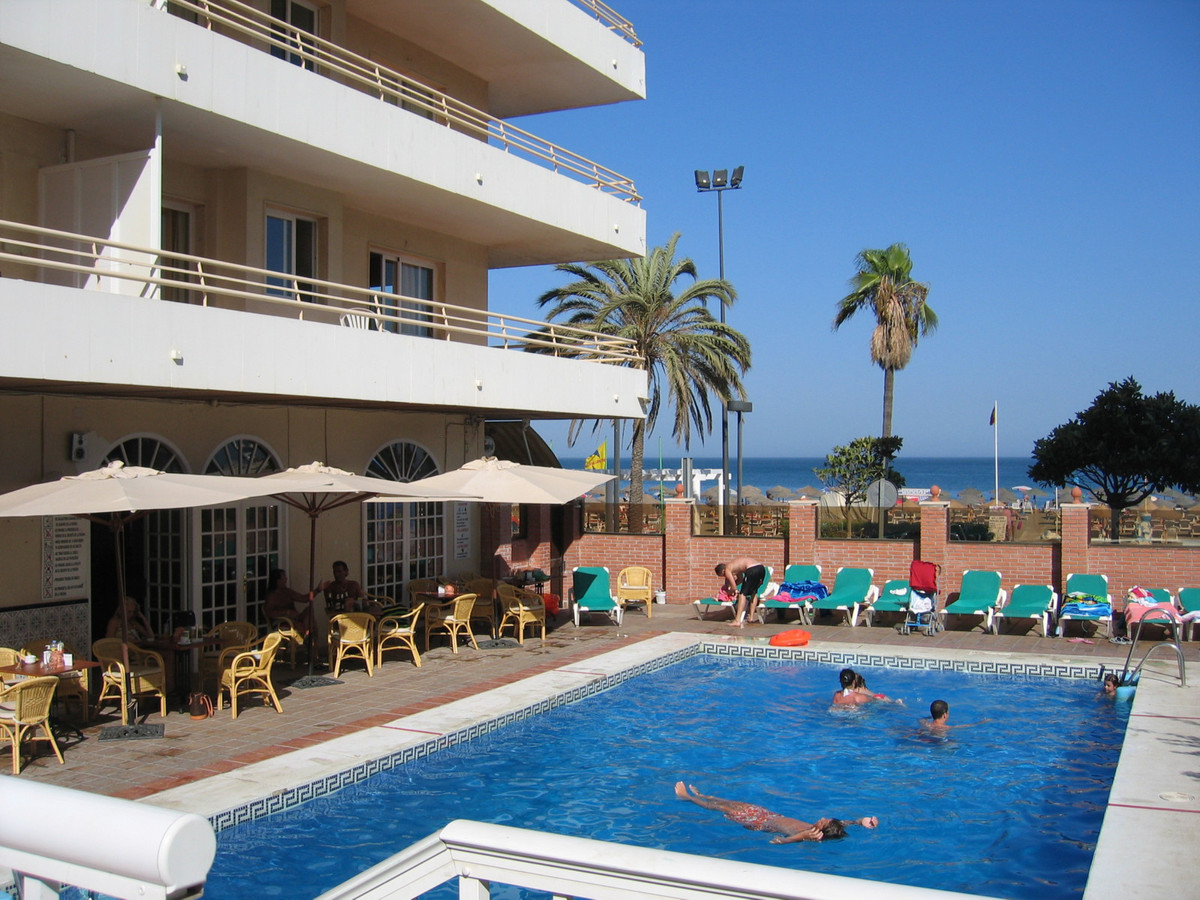 Front line beach studio for sale in Fuengirola, on the Costa del Sol with amazing sea viewsl!! Set i, Spain
