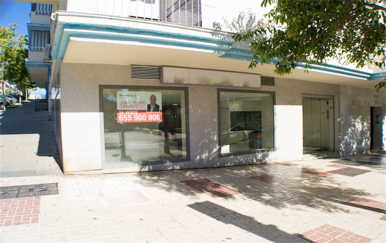 Estepona. Avd. Andalucia Local commercial in street level with two facades and close to the police s,Spain