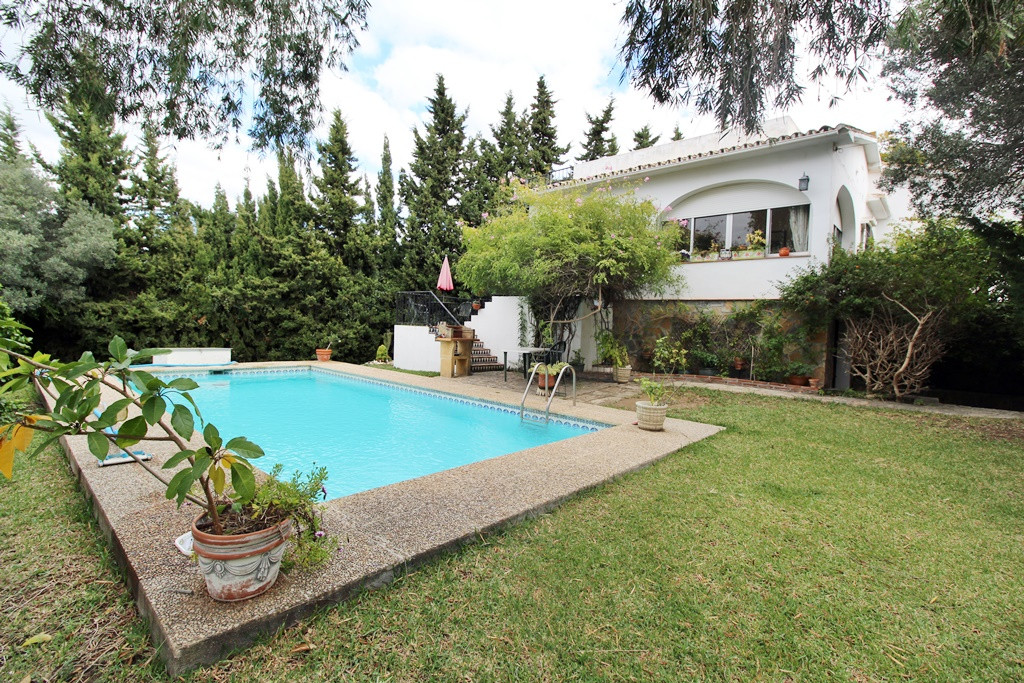 LOVELY VILLA FOR SALE IN SAN PEDRO DE ALCANTARA  This cozy Villa is very well located, in a quiet Re, Spain