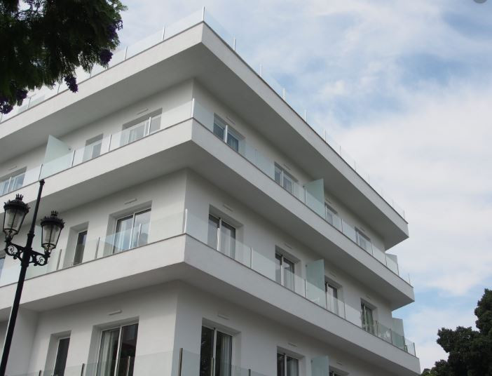 Located in the center of Fuengirola boutique style hotel, 14 rooms with bathroom and kitchen (2 doub,Spain