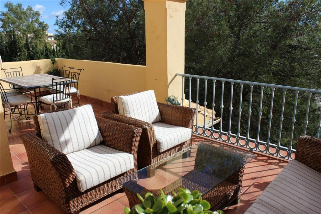 RENTED OUT UNTIL DECEMBER 2015.  Fantastic duplex penthouse located in quiet and secure area close t, Spain
