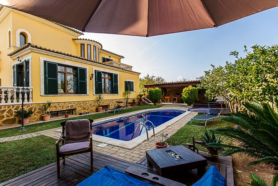 Villa in Marratxi area Son Ramonell, 450 m. Of surface, in plot of 625 m2, with big kitchen with cen,Spain