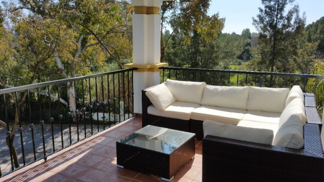 This superb apartment is located in a popular complex near Puerto Banus. Investment property, rental,Spain
