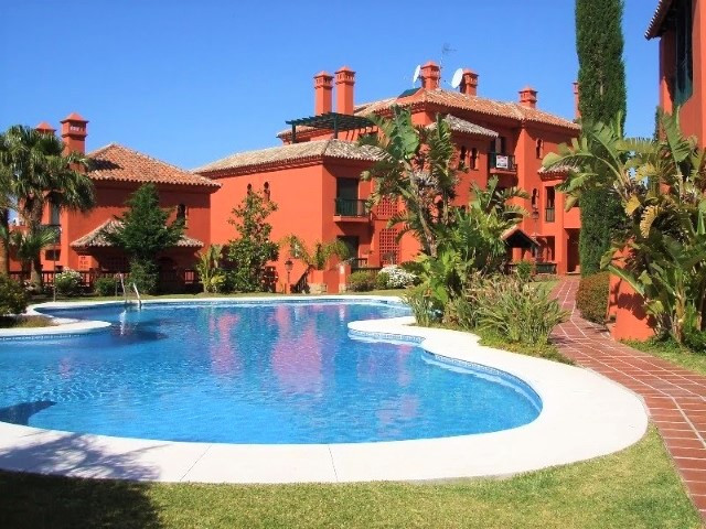 Spectacular south facing property for sale with 3 bedrooms and 2 bathrooms (one of them en suite) in,Spain