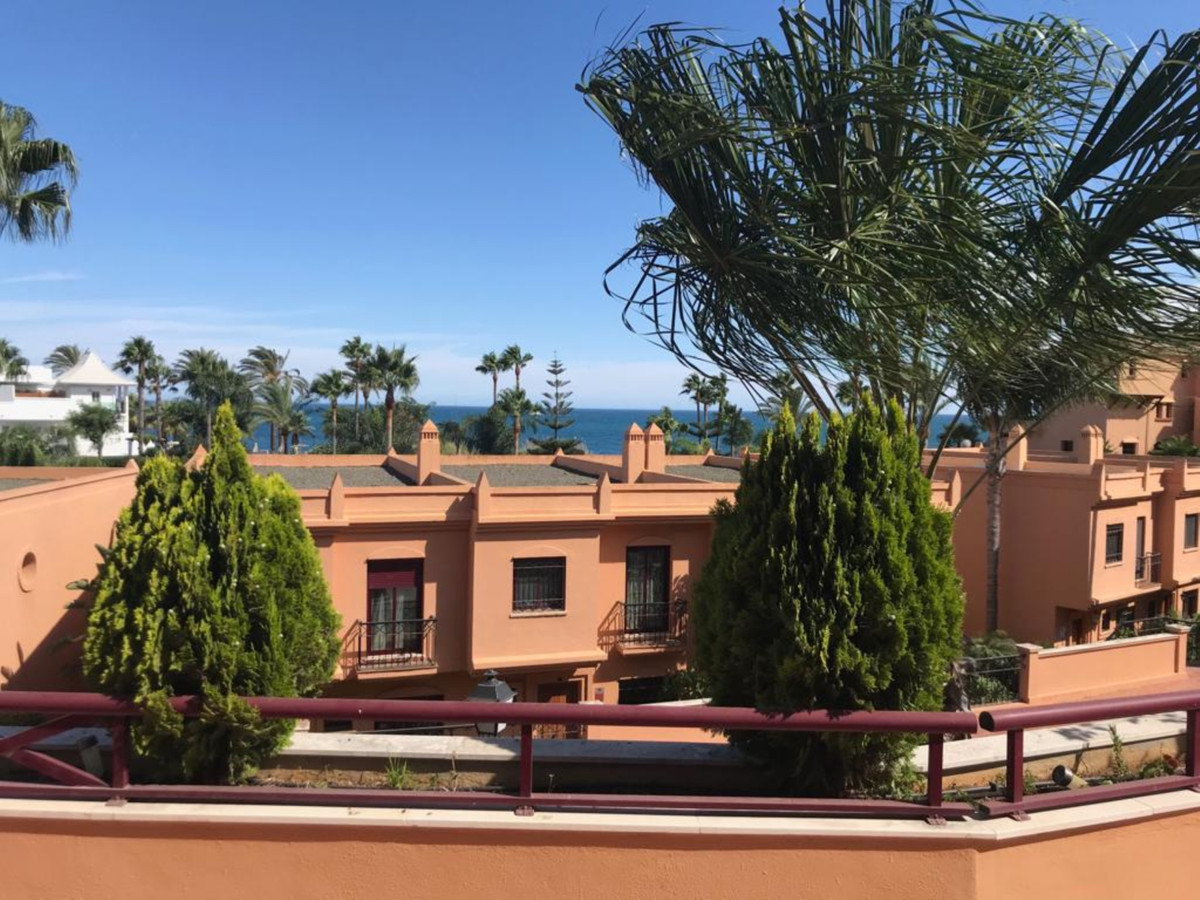 BEST COMPLEX FIRST LINE BEACH NEAR TO ESTEPONA PORT. WALKING DISTANCE. TWO GARAGE PLACES   Middle Fl, Spain