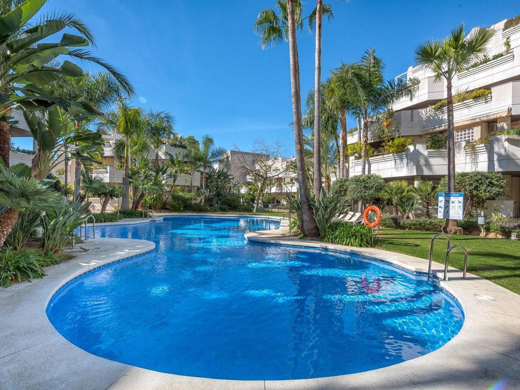 Superb two bedroom apartment for sale in Fuente Aloha, a well-situated complex in the Nueva Andaluci, Spain