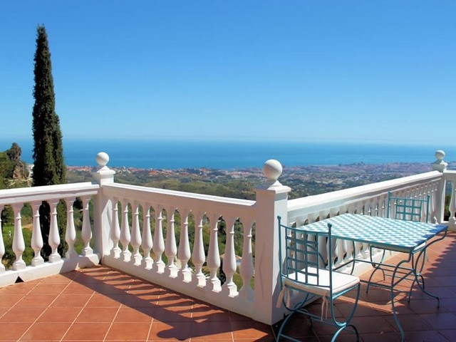 GREAT DETACHED VILLA IN MIJAS PUEBLO - The house is built on two levels. Ground floor with separate , Spain