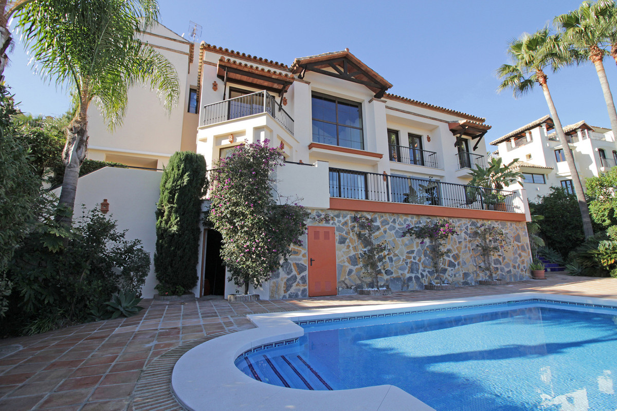 Immaculate and spacious four bedroom villa with stunning views, looking out directly to La Concha mo,Spain