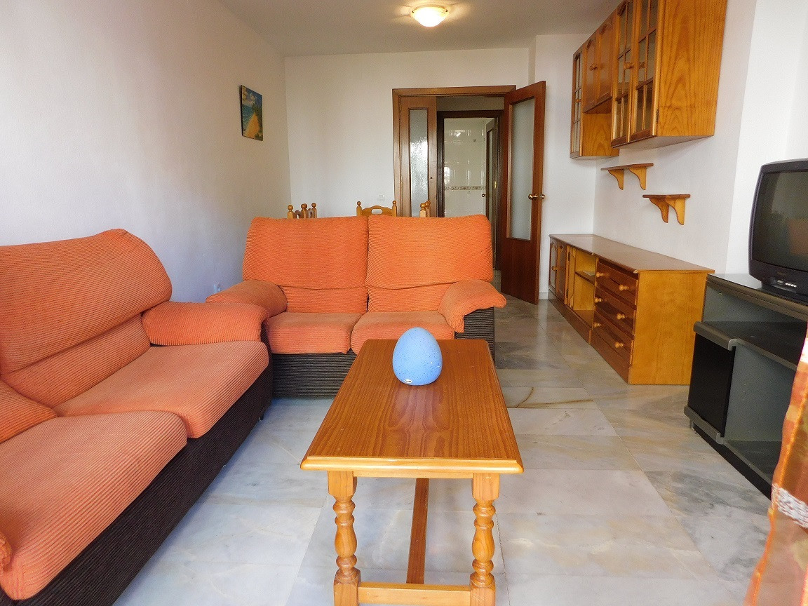 Apartment next to the promenade and the train station of Maria Zambrano. Close to all services: scho,Spain