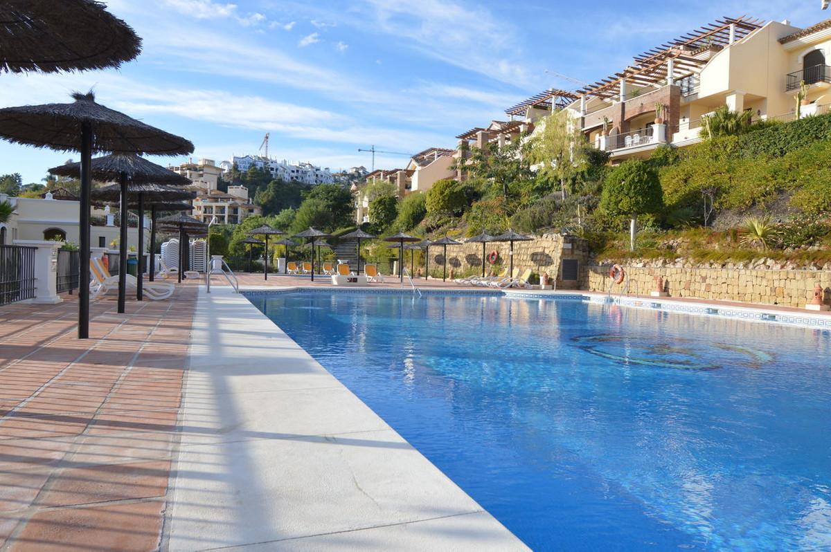 Superb spacious and bright 3 bedroom apartment located in Los Arqueros Golf. This apartment is locat,Spain
