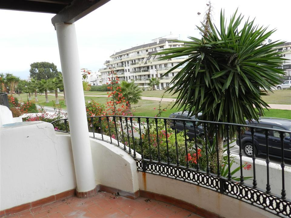 This impressive east facing townhouse is presented on a very high level consisting of three bedrooms,Spain