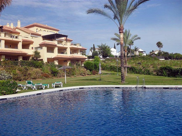 CLOSE TO PUERTO BANUS AND ALL SHOPS AND RESTAURANTS - An outstanding 2 bedroom / 2 bath room ground , Spain
