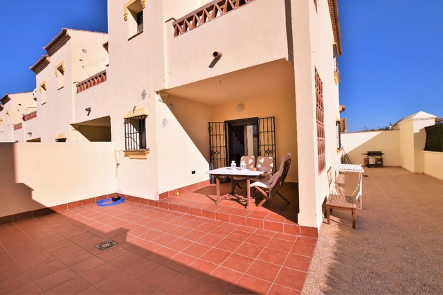 OPPORTUNITY!!  Great corner townhouse, located in a quiet urbanization just 5 minutes from Arriate a,Spain