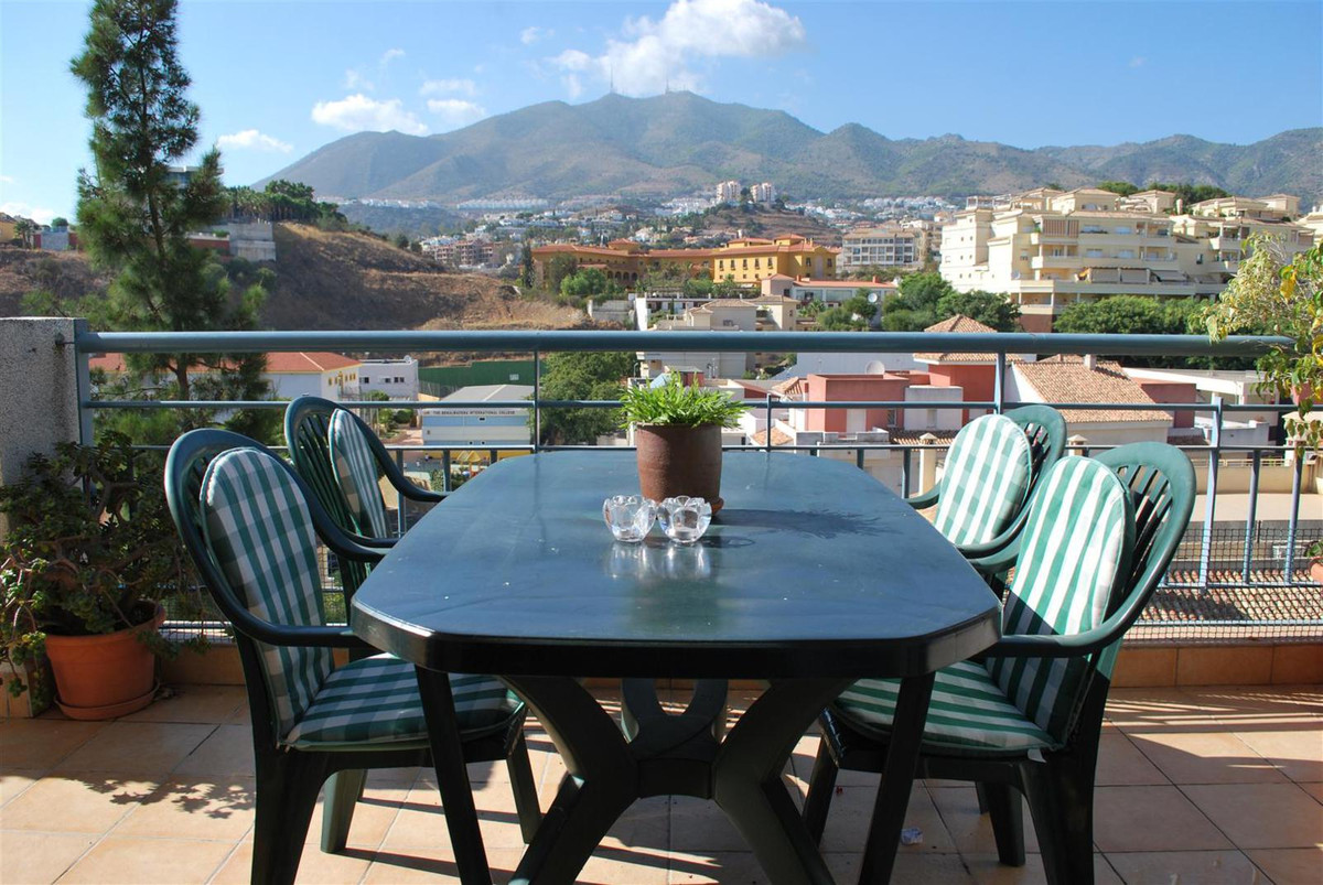 Stunning 3 bedroom and 2 bathroom apartment. It has a big terrace and sea views. Parking space and c, Spain
