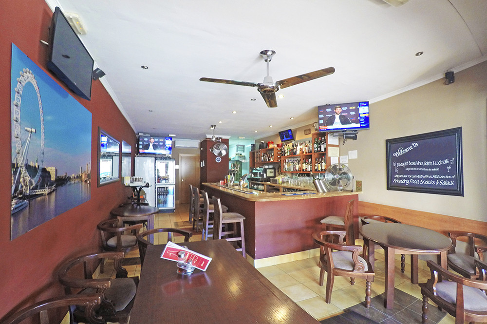 Bar, Calahonda, Costa del Sol. Built 40 m², Terrace 9 m².  Setting : Town, Suburba,Spain