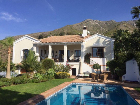 Absolutely beautiful Villa located in Valtocado  Absolutely beautiful Villa located in Valtocado a b, Spain