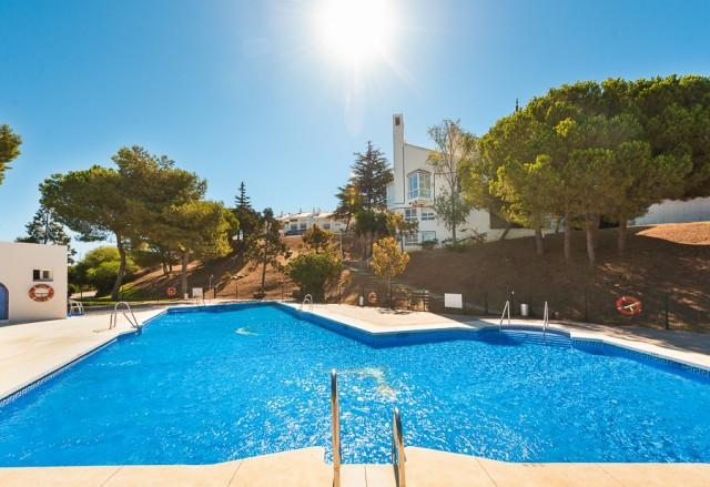 Bright and spacious townhouse situated in Calahonda. This 4 bedroom property is the ideal family hom, Spain