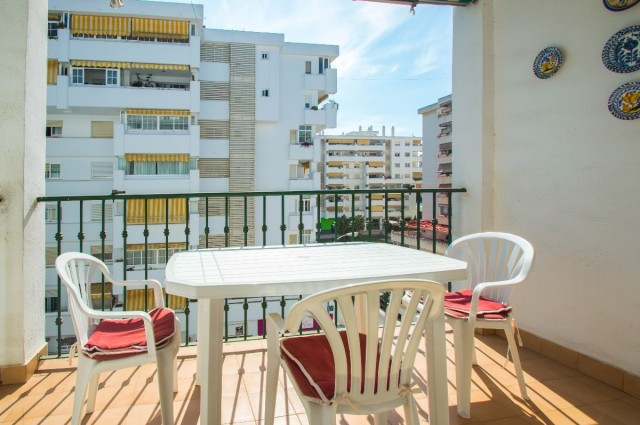 Spacious apartment with 2 terraces facing west (sun from noon to the end of the day) and very well l,Spain